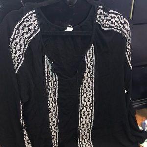 Old navy black shirt